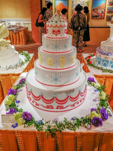 FTW アナと雪の女王のウエディングケーキ